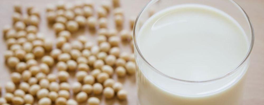 蛋白粉的作用 蛋白粉吃多了有哪些坏处 哪些人不能吃蛋白粉